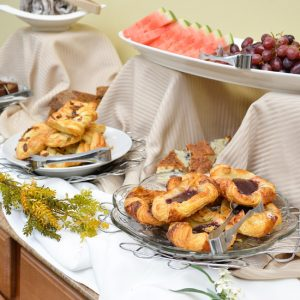 The Atlantic Oceanside Hotel features a complementary continental breakfast.